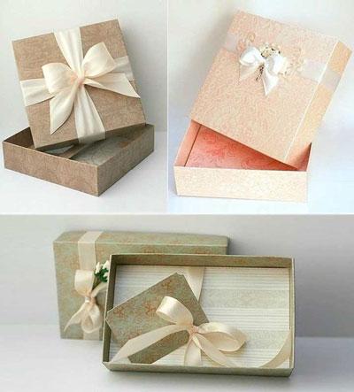 Cách là hộp quà từ giấy bìa cứng đơn giản mà cực kỳ ấn tượng