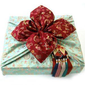 Mẫu gói quà bằng vải đẹp