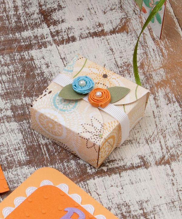 Cách gấp hộp quà nhỏ xinh nhân dịp Valentine cực đáng  yêu